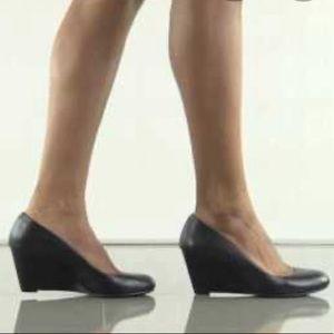 Jessica Simpson Sampson Black Leather Wedge SZ 9.5